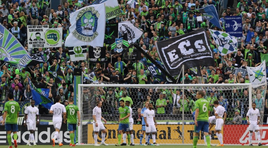 Seattle Sounders fans behind the Sporting KC goal at CenturyLink Field (Photo: Denisemccooey©)