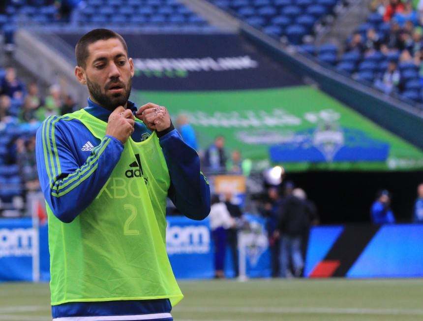 Clint Dempsey warms up before the Sounders game against Sporting KC (Photo: Denisemccooey©)