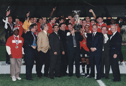 Rochester Rhinos lift the 1999 US Open Cup (Photo: TheCup.us)