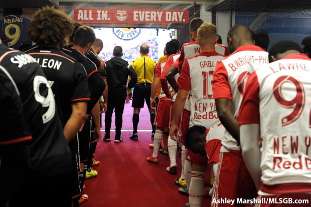Players line up before the start of the MLS Eastern Conference Semifinal Second Leg: New York Red Bulls vs. DC United at Red Bull Arena in Harrison, New Jersey, USA, on Nov. 8, 2015. Photo: Ashley Marshall/MLSGB.com